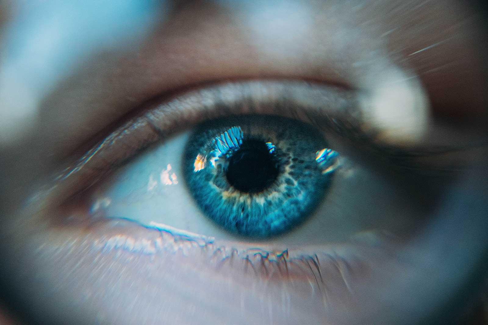 Neuer Service von ALLYSCA: Identitätsprüfung per Video